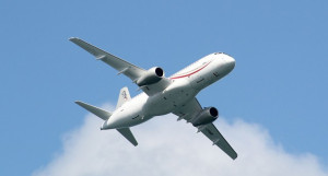 Пассажирский самолет SuperJet 100.