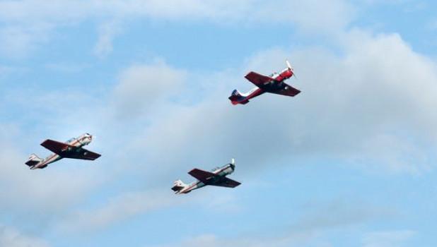 Самолеты Як-52.