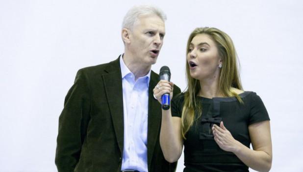 Андрей Фурсенко и Алина Кабаева выступили в АлтГУ. 31 октября 2011 года.